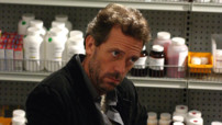 Dr Gregory House (Hugh Laurie) dans Dr House Saison 01 Episode 01
